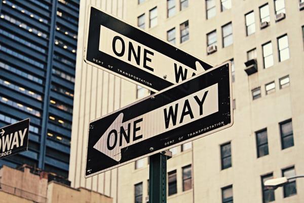 """Panneau de direction """"One way"""""""